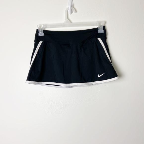 NIKE • Dri Fit Black Tennis Skort Sz M